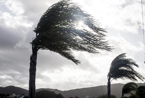 06-04-2015-21-58-55-vento